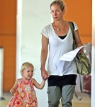 Semi-Exclusive... Christina Applegate And Her Daughter Leaving The Gym