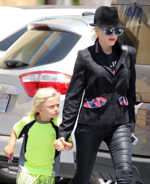Gwen Stefani Takes Zuma Shopping
