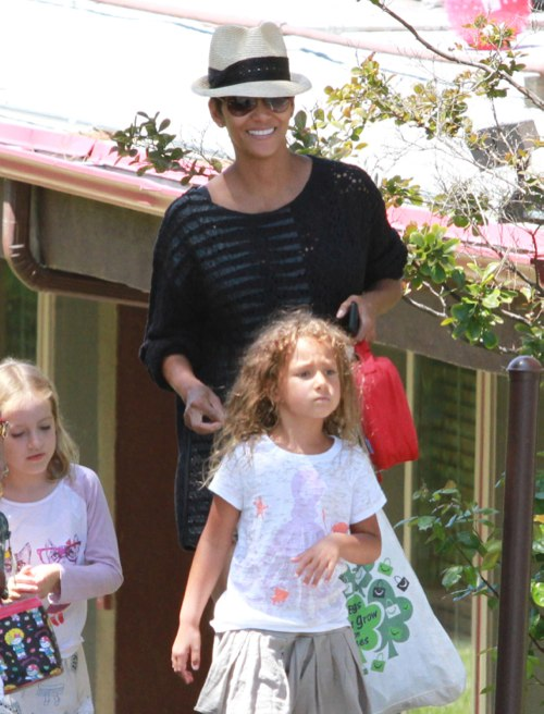 Halle Berry: Back to Mom Duties After Filming In Canada