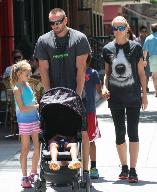 Heidi Klum: Sunday Strollin' With Family