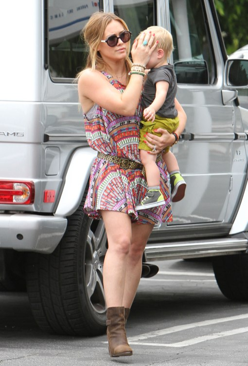Hilary Duff Goes Hippie Chic While Shopping With Luca
