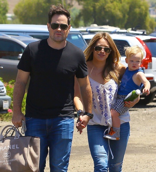 Semi-Exclusive... Hilary Duff & Family Enjoy The Day At The Underwood Family Farm