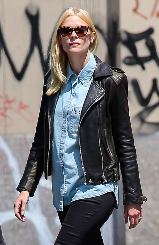 Pregnant Jaime King And Husband Walk Around NYC With Friends
