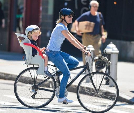 Naomi Watts: Big Apple Bike Ride With Samuel