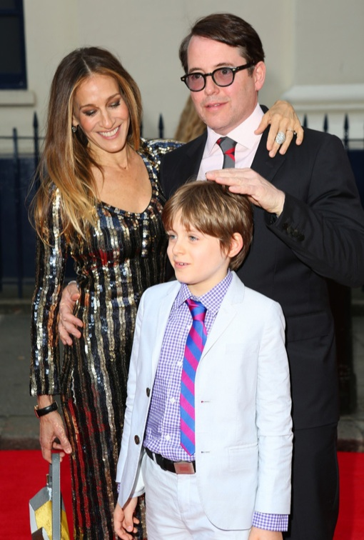 sarah jessica parker matthew broderick take their son to the  charlie and the chocolate factory press night