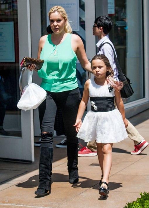 Shanna Moakler & Alabama: American Girl Shoppers