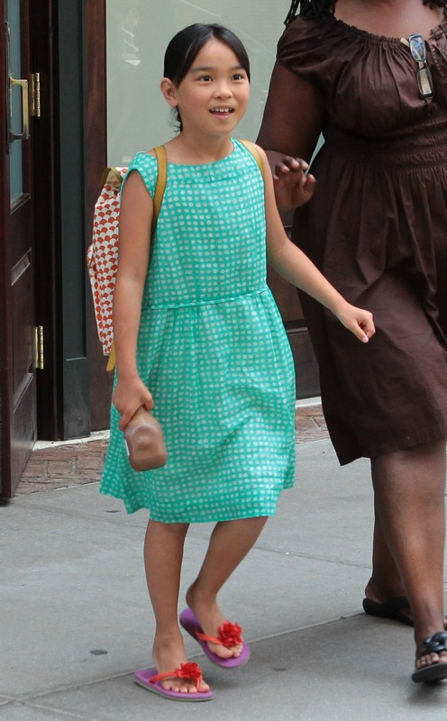 Meg Ryan And Her Adorable Daughter Daisy True Out & About In NYC (PHOTOS)