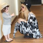 Rachel Zoe & Family Do Some Sunday Shopping