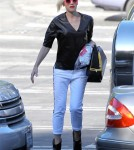 Gwen Stefani Drops Off Zuma At School