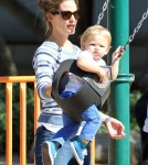 Jennifer Garner Takes Her Kids To The Park