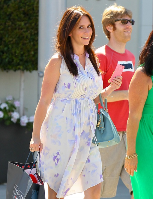 Exclusive... Pregnant Jennifer Love Hewitt Out And About In Beverly Hills