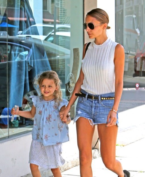 Nicole Richie & Harlow: Mother-Daughter Shopping Outing