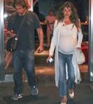 Pregnant Penelope Cruz & Javier Bardem Dine With Family