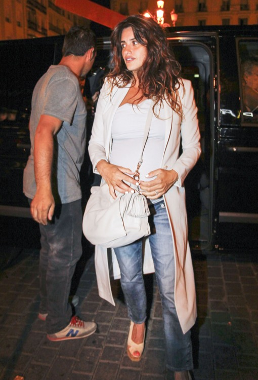 Penelope Cruz Bumps To Family Dinner In Madrid