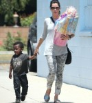 Exclusive... Sandra Bullock Takes Louis To A Birthday Party
