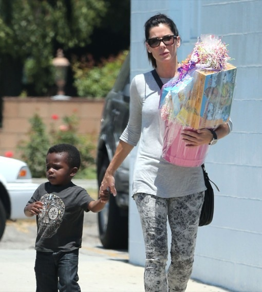 Exclusive... Sandra Bullock Takes Louis To A Birthday Party