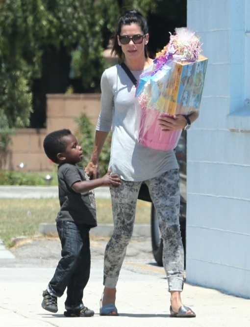 Pictures of Sandra Bullock And Son 2017 - #rock-cafe
