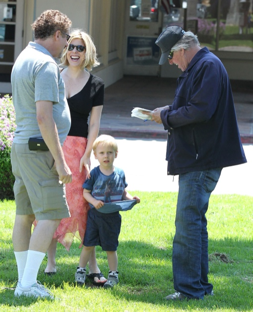 Exclusive... Gary Busey & Family Spotted Out In Malibu ...