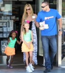 Heidi Klum Goes To Starbucks With Her Family