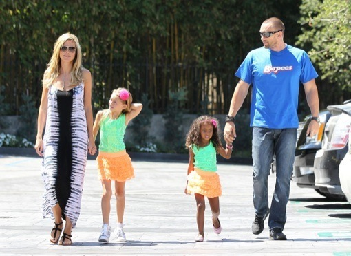 Heidi Klum: Starbucks Run With Her Matching Girls