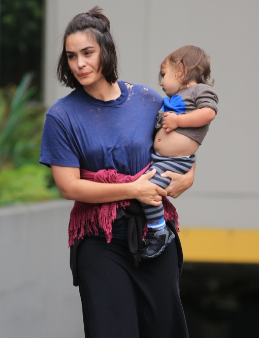 Exclusive Shannyn Sossamon And Her Son Leaving Their