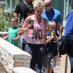 Britney Spears Lunches With Family