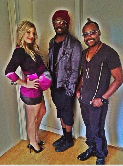 Fergie Posing Pregnant With Black Eyed Peas