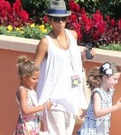 Semi-Exclusive... Pregnant Halle Berry Takes Nahla To Universal Studios