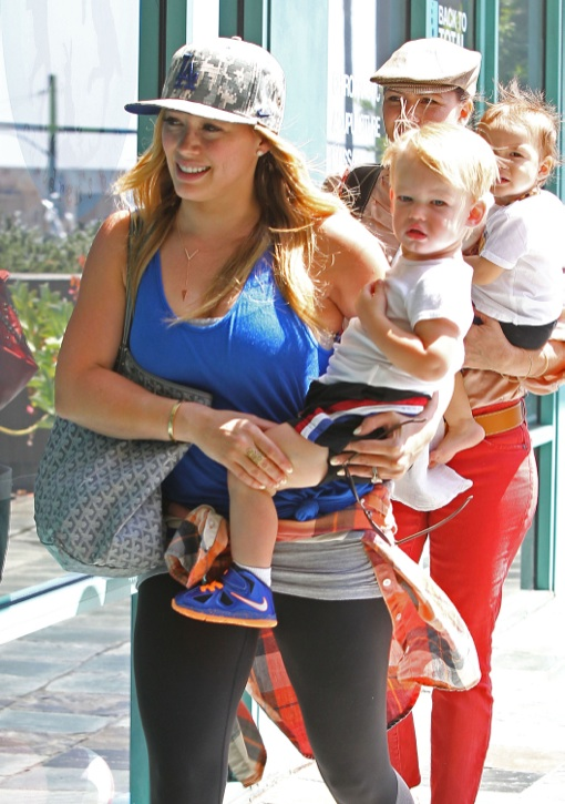 Semi-Exclusive... Hilary Duff Takes Luca To The Fit For Kids Gym