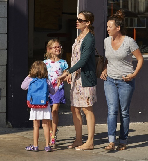 Jennifer Garner Enjoys Quality Time With Her Girls