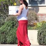 Jennifer Love Hewitt: Pregnancy Cake Indulgence