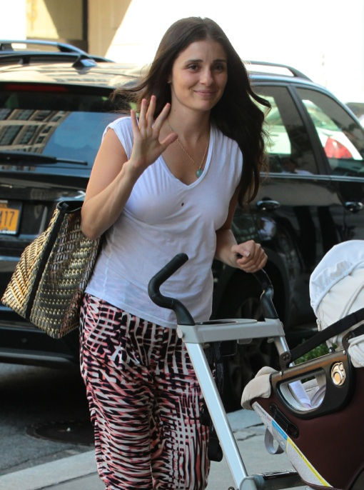 Shiri Appleby Out For A Stroll In NYC