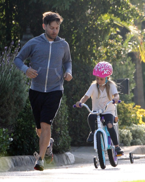 Exclusive... Tobey Maguire Goes For A Jog With Ruby