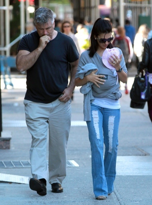 Alec Baldwin: Big Apple Strolling and Doting