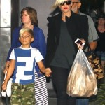 Gwen Stefani Takes Her Parents & Boys To Dinner