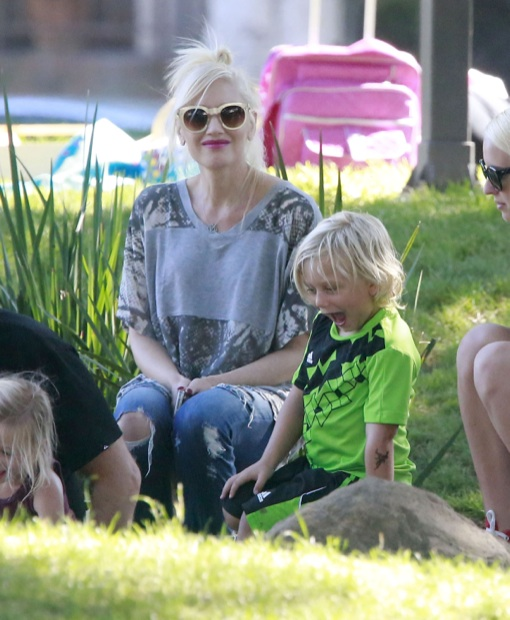 Gwen Stefani: Sunday Park Day With Kingston & Zuma