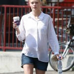 Pregnant Jaime King Picks Up Breakfast