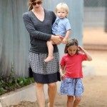 Jennifer Garner Spends Labor Day at The Park With Her Children