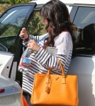 Semi-Exclusive... Pregnant Jennifer Love Hewitt Visits The Byron Williams Salon