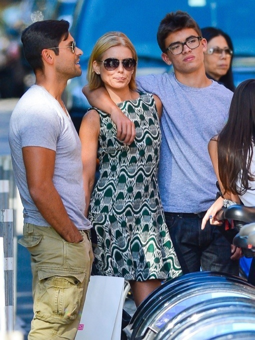 Kelly Ripa & Family Shopping And Eating In New York