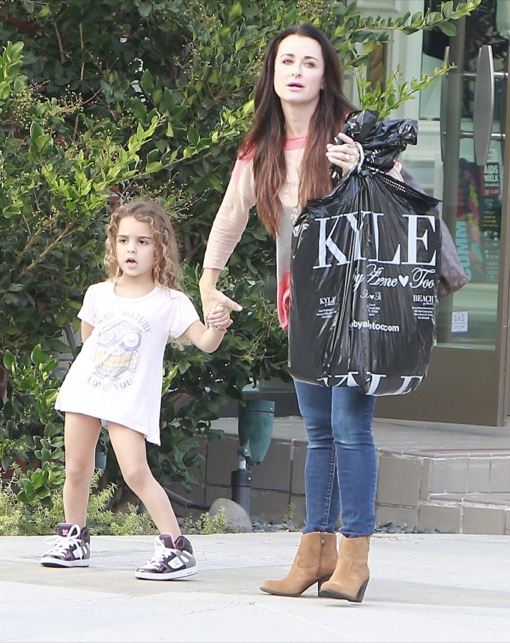Kyle Richards Takes Her Daughter's Shopping at her Store