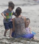 Nicole Richie & Her Kids At A Party In Malibu