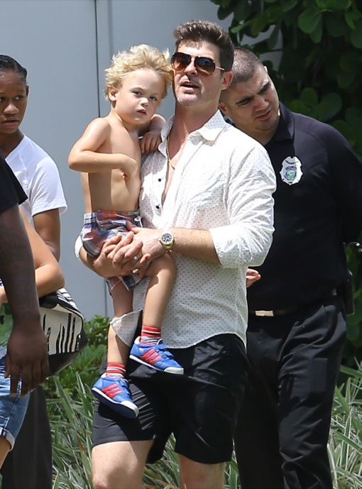 Robin Thicke: Father-Son Pool Day