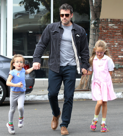Ben Affleck Takes His Girls Out For Ice Cream After School