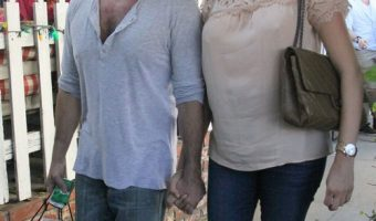 Simon Cowell & Pregnant Lauren Silverman Enjoy His Birthday Lunch At The Ivy