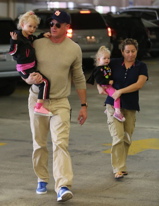 Eric Dane & His Girls Do Some Grocery Shopping