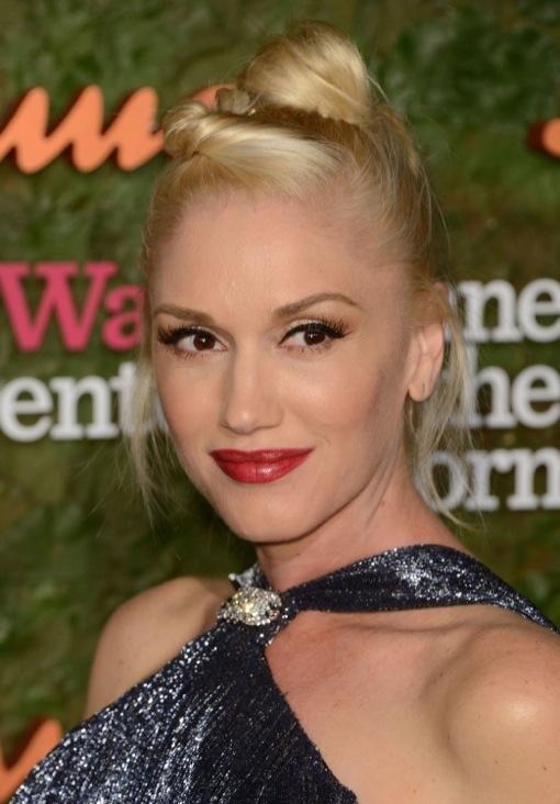 Gwen Stefani Debuts Bump in a Glamorous Fringe Dress