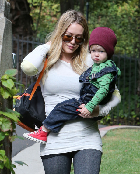 Hilary Duff Spotted Taking Her Son Luca to his Baby Class! (PHOTO)