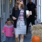 Jennifer Garner: Breakfast Stop With Seraphina