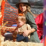 Jessica Alba: Pumpkin Patch Day With Her Girls